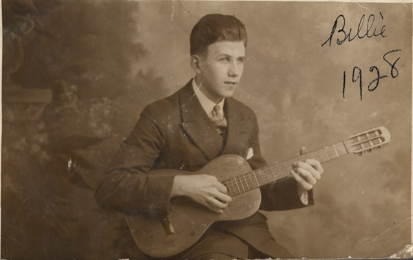 http://www.mikehardman.com/people/the-hardmans/william-joseph/With_guitar_1928_big.jpg